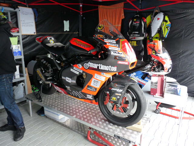 [Road Racing] Classic TT-Manx GP 2015 - Page 3 P1060623