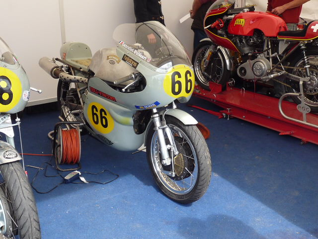 [Road Racing] Classic TT-Manx GP 2015 - Page 3 P1060635
