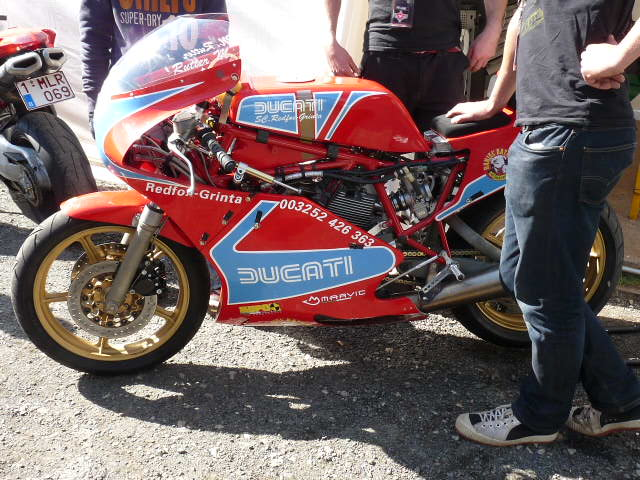[Road Racing] Classic TT-Manx GP 2015 - Page 5 P1060745