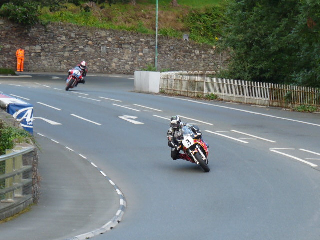 [Road Racing] Classic TT-Manx GP 2015 - Page 5 P1060753