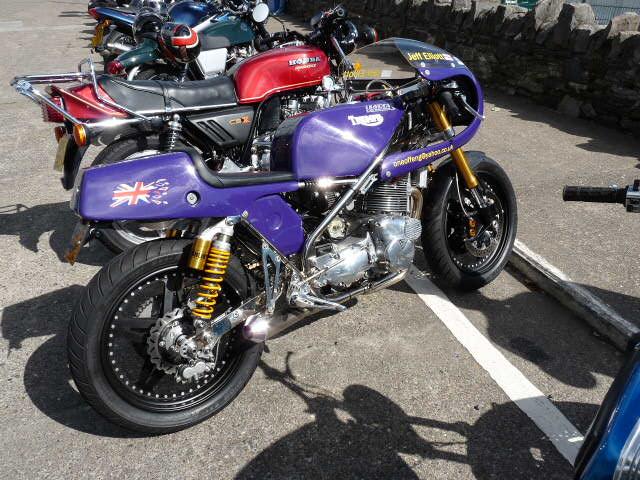 [Road Racing] Classic TT-Manx GP 2015 - Page 6 P1060817
