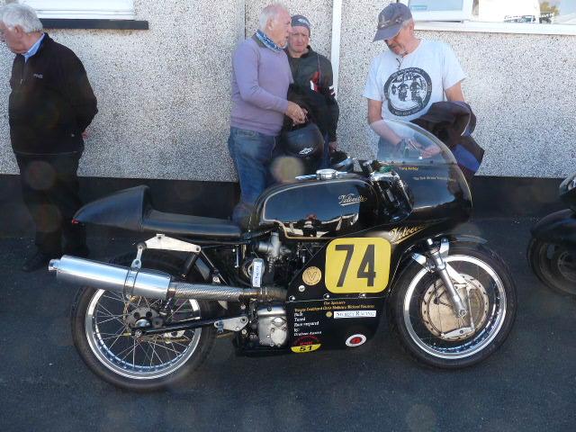[Road Racing] Classic TT-Manx GP 2015 - Page 6 P1060827