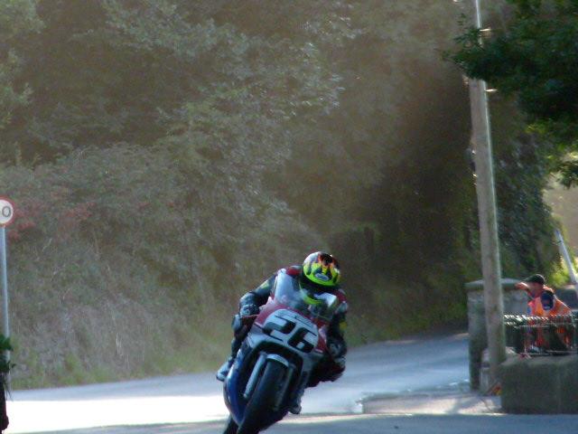 [Road Racing] Classic TT-Manx GP 2015 - Page 6 P1060834