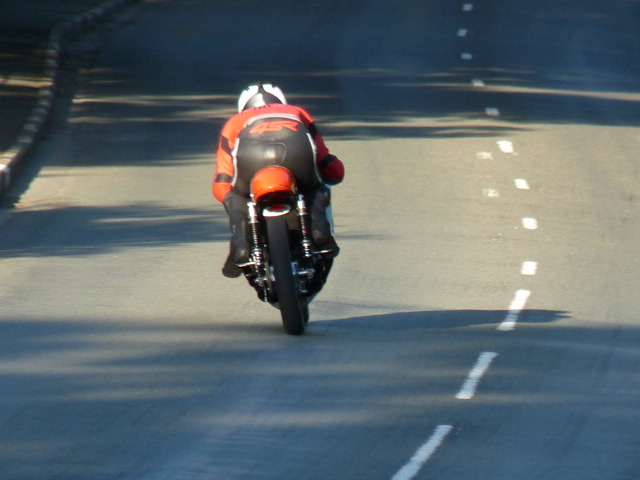 [Road Racing] Classic TT-Manx GP 2015 - Page 6 P1060836