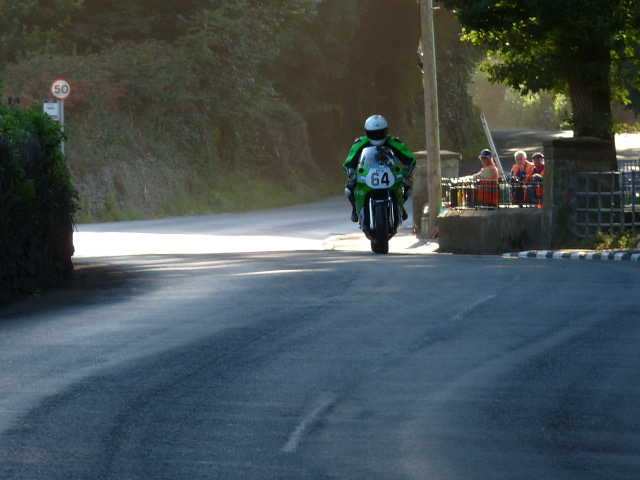 [Road Racing] Classic TT-Manx GP 2015 - Page 6 P1060838