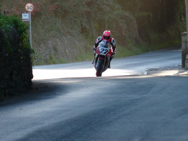 [Road Racing] Classic TT-Manx GP 2015 - Page 6 P1060839