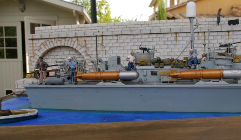 Torpedo boat PT - 596 [italeri 1/35] - Page 11 Imgp8523