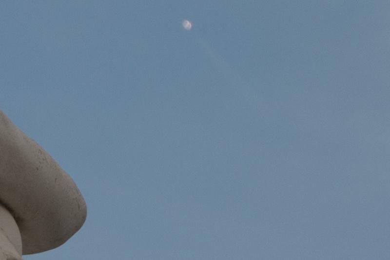 Plusieurs OVNI filmés à Conflans-Sainte-Honorine Crop_d10