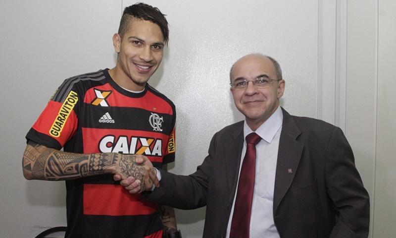 Llegada y primer entrenamiento de Paolo Guerrero en el Flamengo Notici10