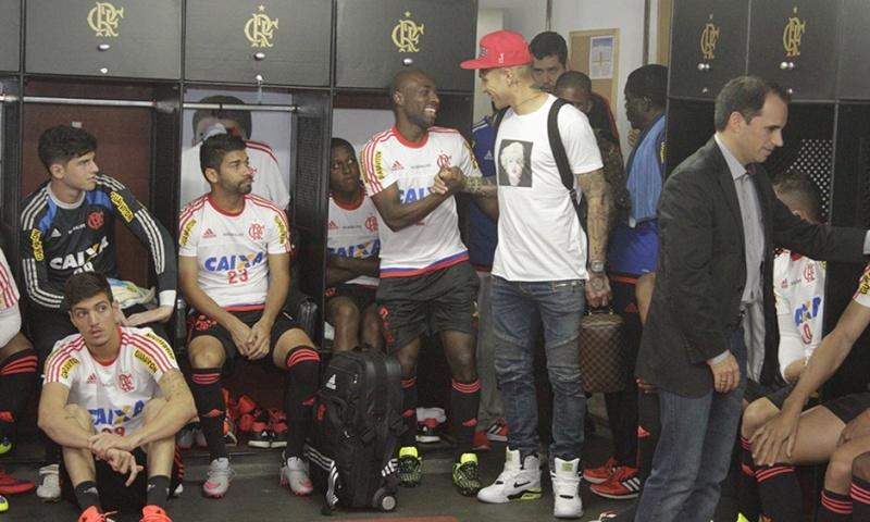 Llegada y primer entrenamiento de Paolo Guerrero en el Flamengo Notici14