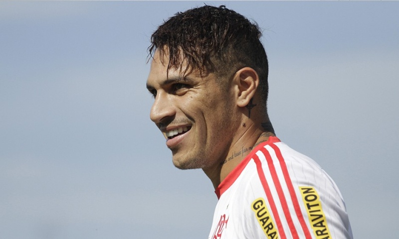 Llegada y primer entrenamiento de Paolo Guerrero en el Flamengo Notici16