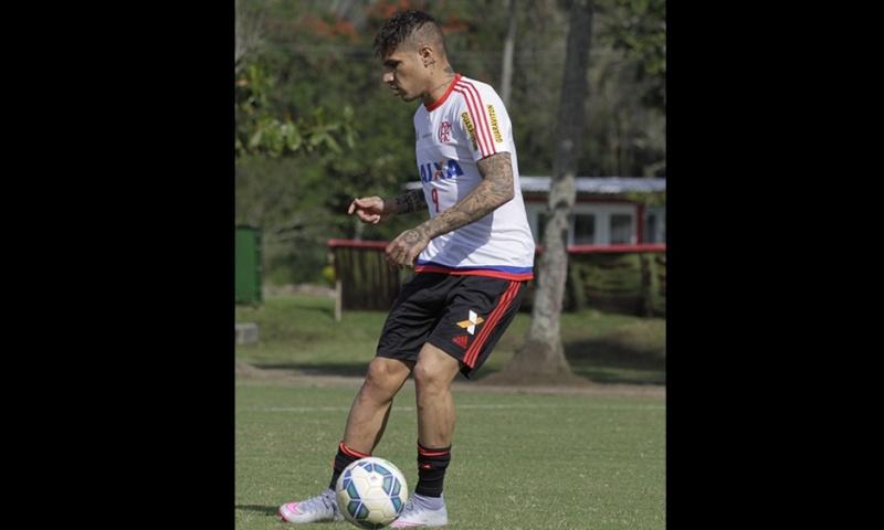 Llegada y primer entrenamiento de Paolo Guerrero en el Flamengo Notici21