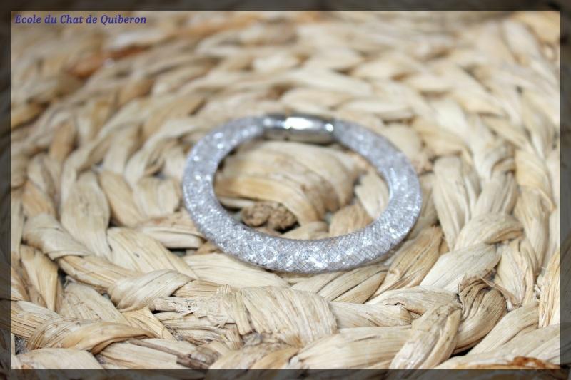 Les bracelets...100% Fait-main, au profit de l'ECQ! Img_2022