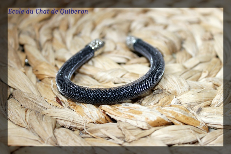 Les bracelets...100% Fait-main, au profit de l'ECQ! Img_2024