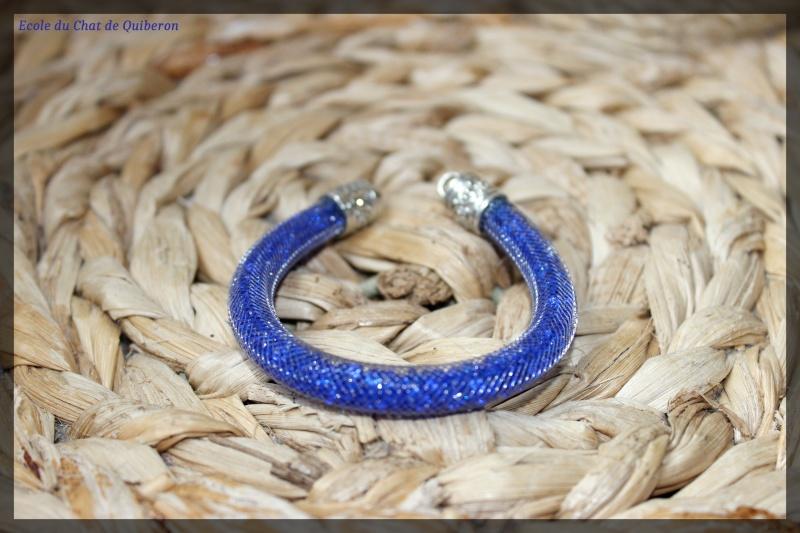Les bracelets...100% Fait-main, au profit de l'ECQ! Img_2028