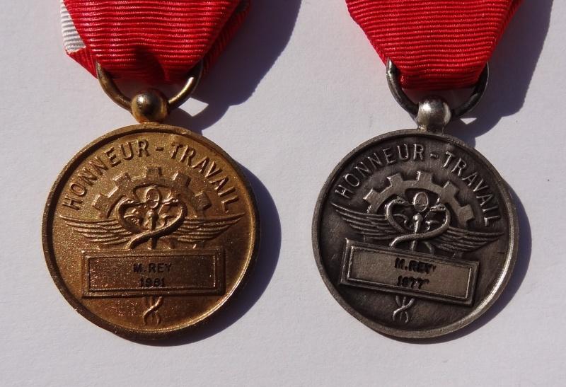 LOT MEDAILLES ( 2 x Travail en argent poinçon par Aubert et Chemins de fer) Prix baissé de 25% Dsc04312