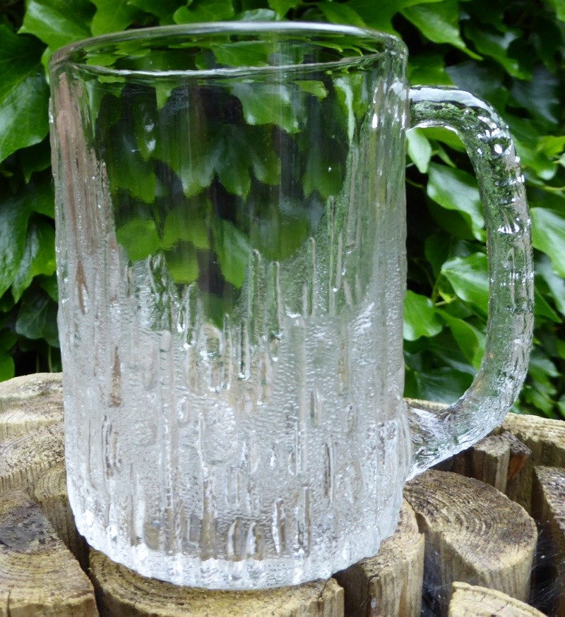 Ice effect tankard with daisy mark P1000111