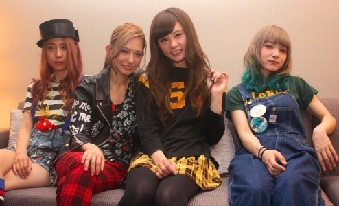 SCANDAL 「LIVE IDO LIVE」TOUR 2012 2_crop10