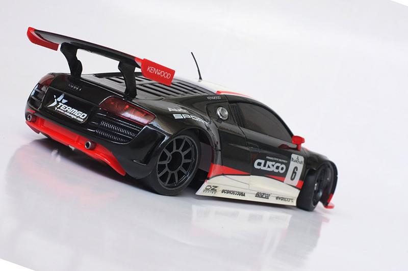 Audi R8 lms 00411