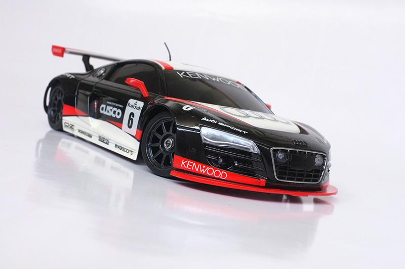 Audi R8 lms 00710
