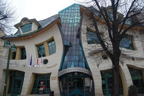 [Inspiration construction] Maisons réelles et réellement insolites La-mai11