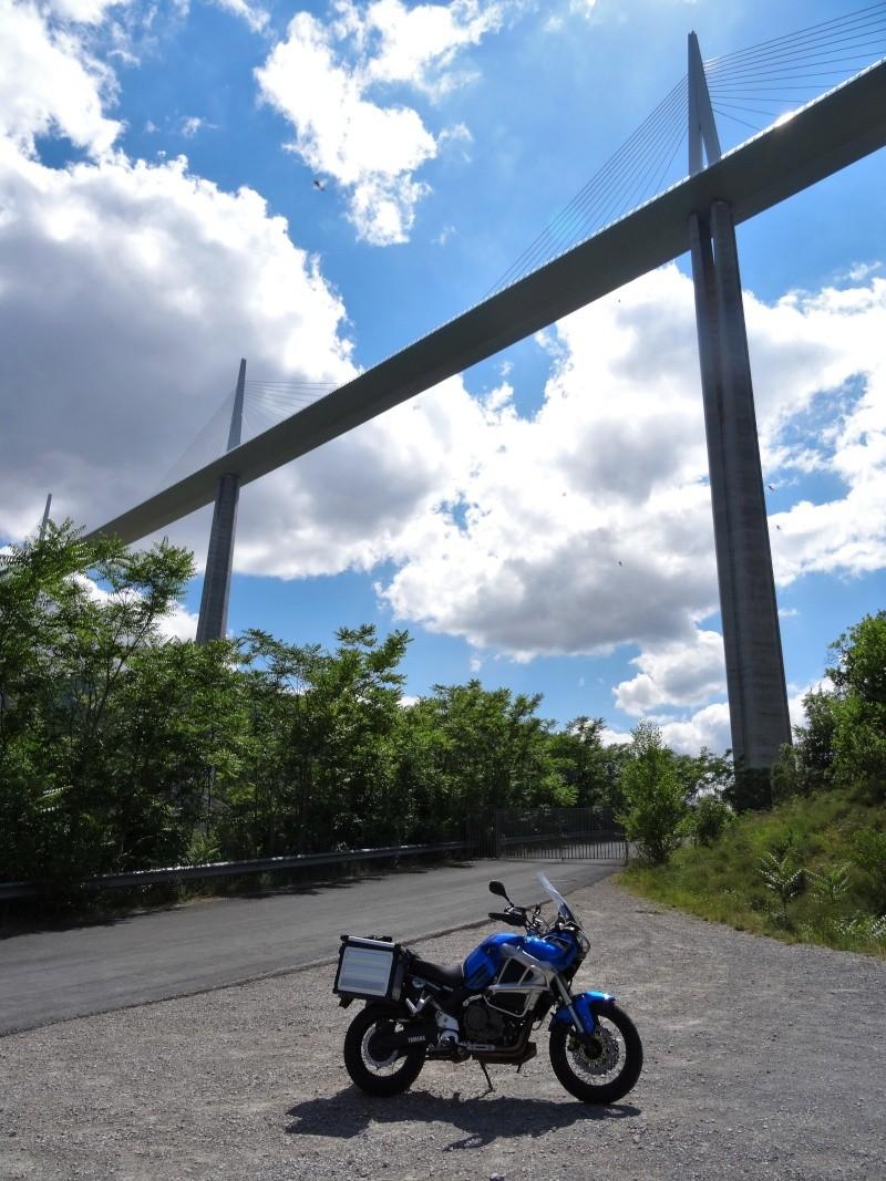 Vos plus belles photos de moto - Page 3 Dsc00210