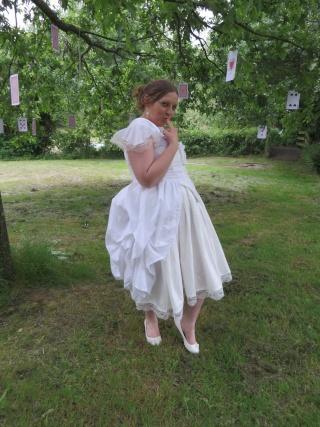 [Terminé] Reine Blanche du pays des merveilles (anciennement costume d'Alice) - Page 3 Img_2312
