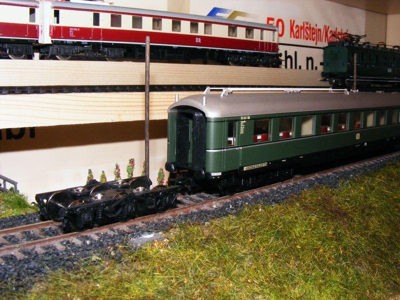 Sechsachsige Reisezugwagen Dscf5141