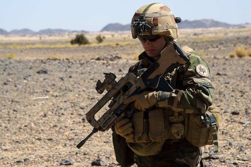 Belles photos de l'Opération BARKHANE - source: service communication 1er RCP Le_2_m10