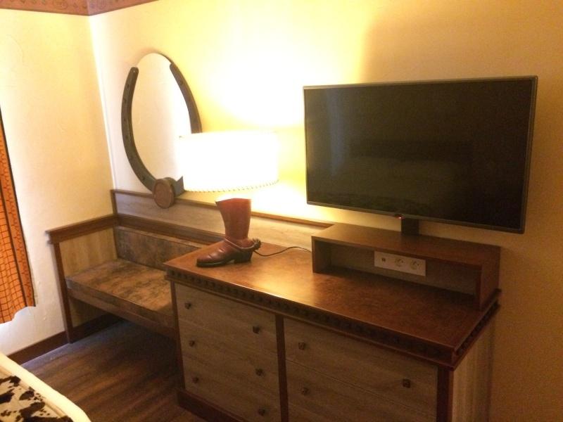 Nouvelles Chambres du Disney's Hotel Cheyenne sur le thème de Toy Story ! Img_7212
