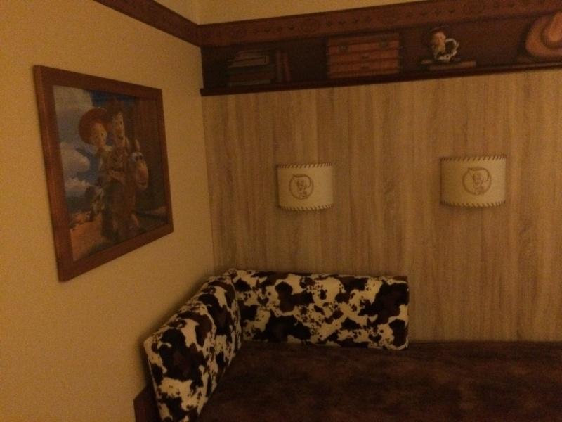 Nouvelles Chambres du Disney's Hotel Cheyenne sur le thème de Toy Story ! Img_7213