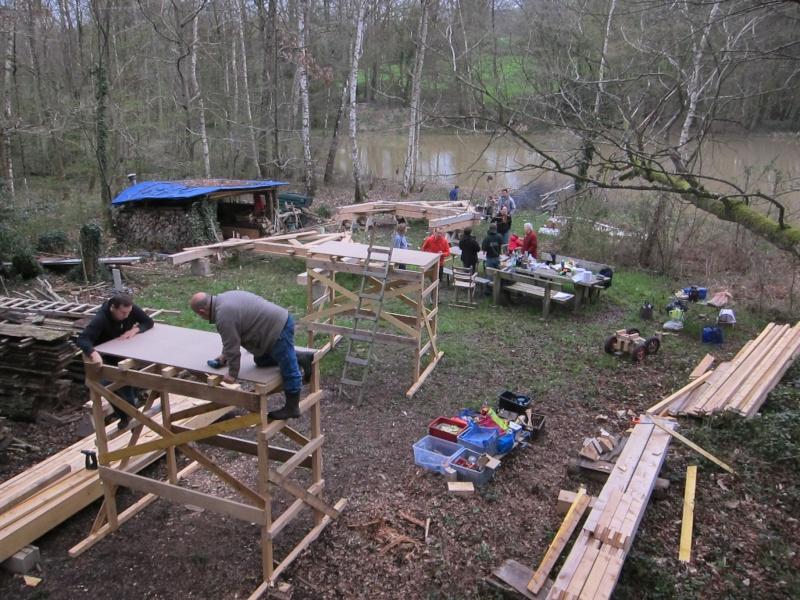 construction d'un abri en charpente - Page 9 Img_3710