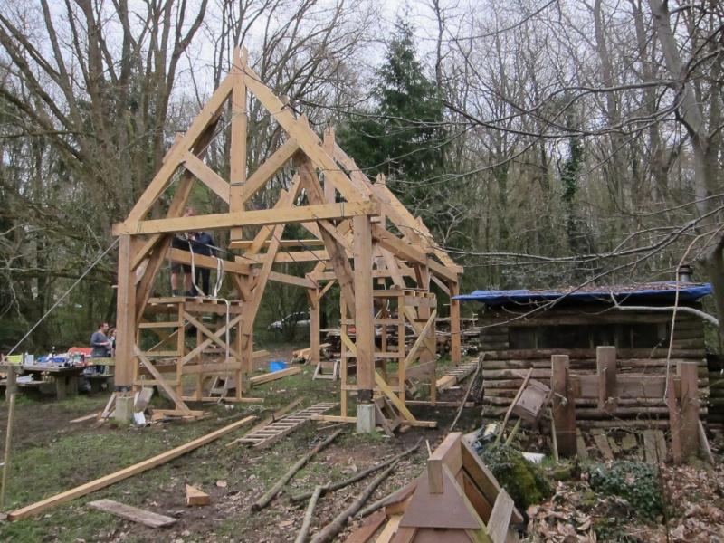 construction d'un abri en charpente - Page 10 Img_3719