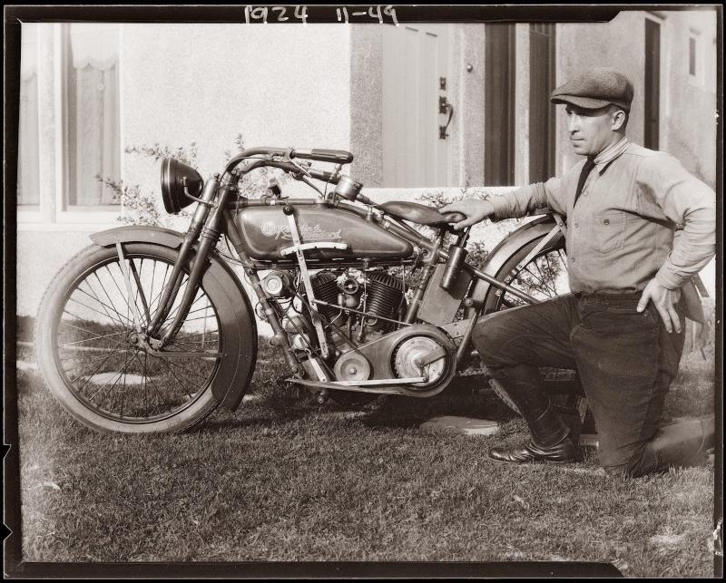 Les vieilles Harley....(ante 84) par Forum Passion-Harley - Page 39 Speedb10