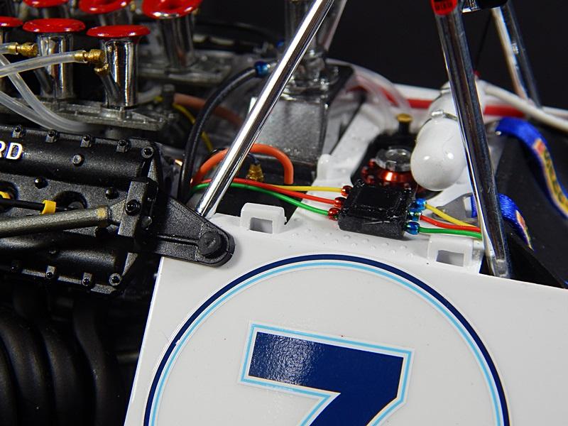 Large Scale Automotive Build   03911