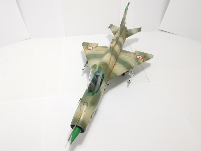 """Mikoyan-Gourevitch MiG-21 PF """"égyptien"""" au 1/48 Dscf1720"""