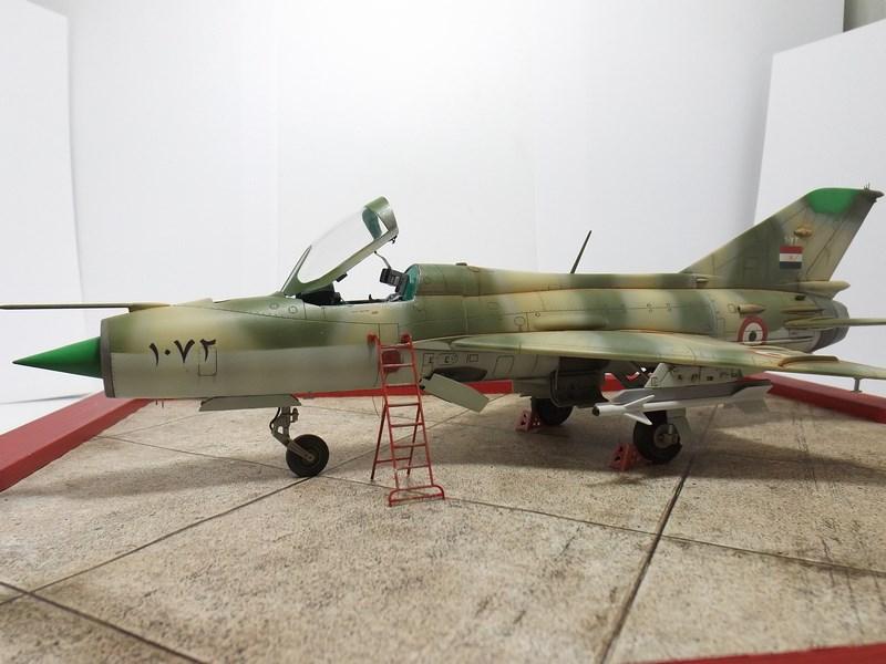 """Mikoyan-Gourevitch MiG-21 PF """"égyptien"""" au 1/48 Dscf1729"""