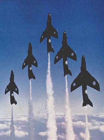 BAE HAWK des Red Arrows (revell) Black-11