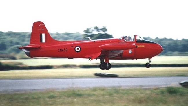 BAE HAWK des Red Arrows (revell) Red-pe10