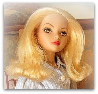 Mes poupées Ellowyne Wilde. De nouvelles photos postées régulièrement. - Page 12 023-0010