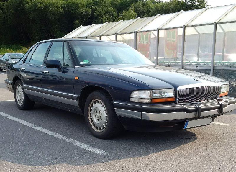 """Buick """"Park Avenue"""" 1991 - auf dem Parkplatz """"schnappgeschossen""""  2b10"""