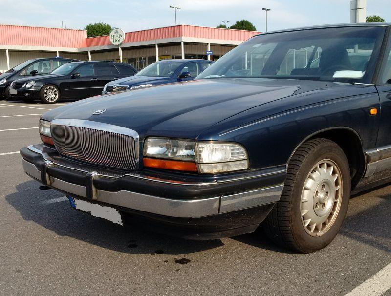 "Buick ""Park Avenue"" 1991 - auf dem Parkplatz ""schnappgeschossen""  338"