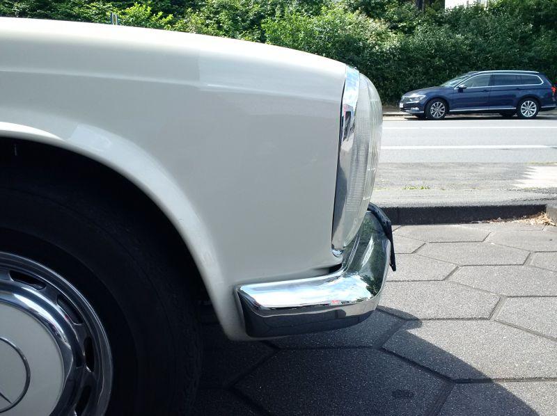 """Mercedes 230 SL """"Pagode"""" - auf dem Parkplatz """"schnappgeschossen"""" 517"""