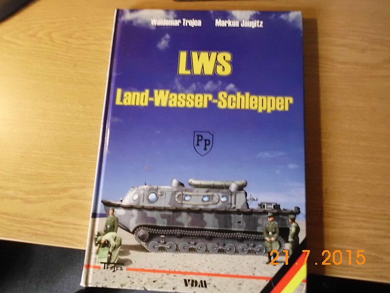 HobbyBoss 82430 Land-Wasser-Schlepper Früh 1/35 - Kurzvorstellung 524