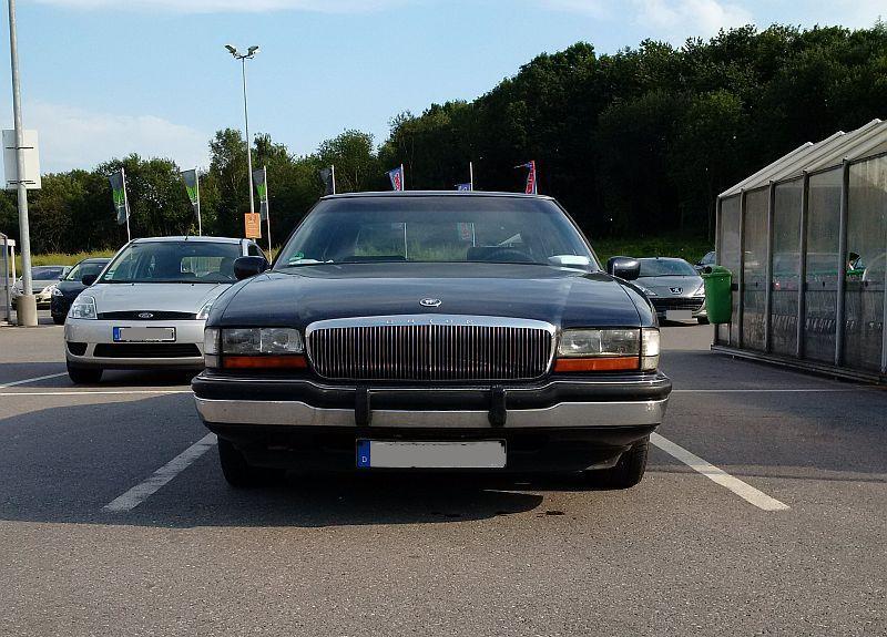 "Buick ""Park Avenue"" 1991 - auf dem Parkplatz ""schnappgeschossen""  528"