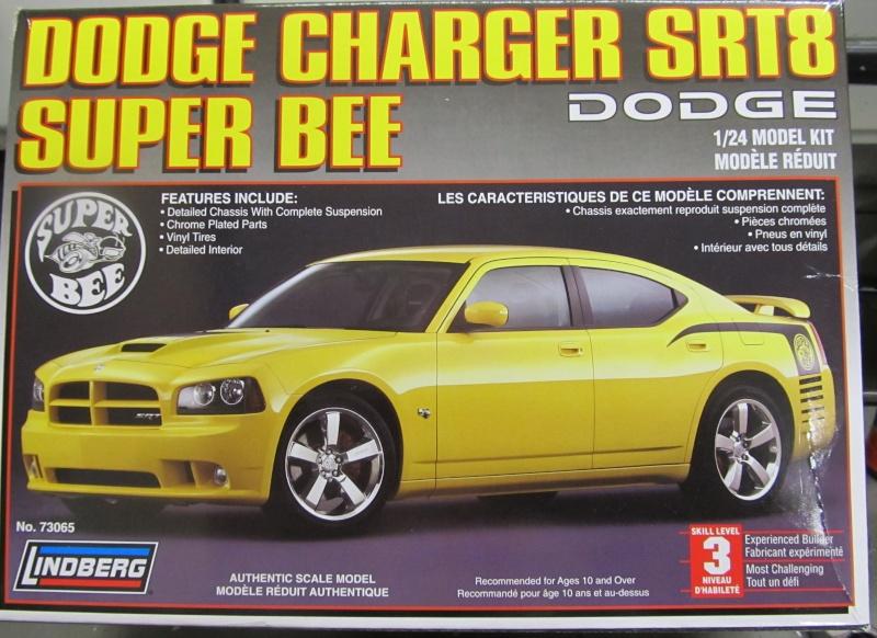 2006 Dodge Charger SRT8 Super Bee (Lindberg )  Img_3531
