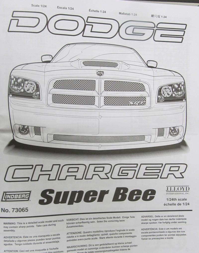 2006 Dodge Charger SRT8 Super Bee (Lindberg )  Img_3532