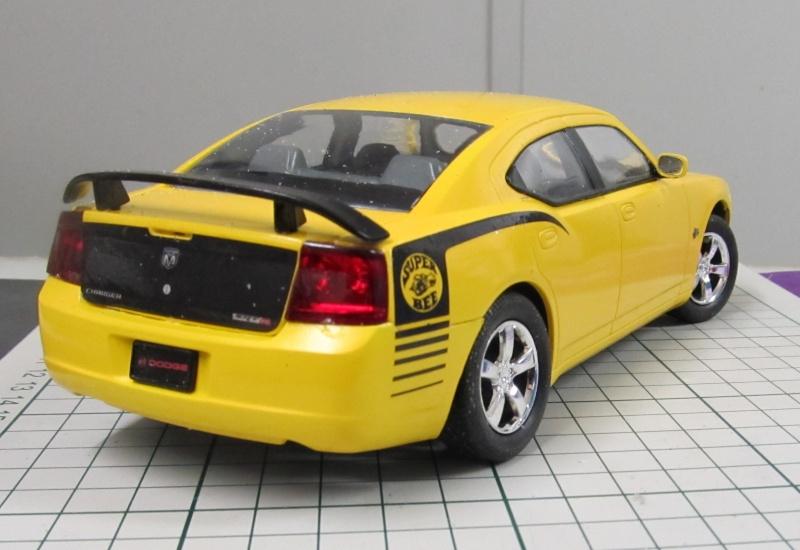 2006 Dodge Charger SRT8 Super Bee (Lindberg )  Img_3562