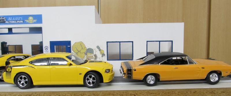 2006 Dodge Charger SRT8 Super Bee (Lindberg )  Img_3568