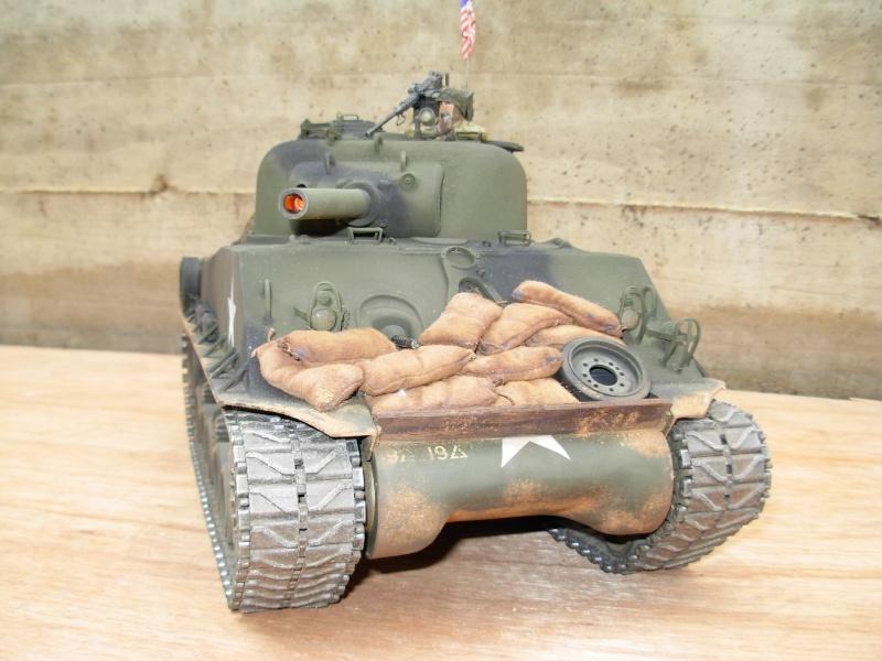 Sherman M4  105 mm Tamiya - Restyling totale Dscn0125